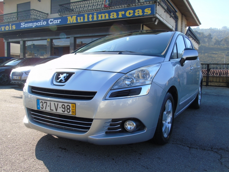 Peugeot 5008 1.6 HDI 112cv TECH-MOTION 7 LUG